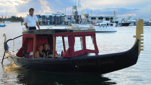 Private Gondola Ride for 2 with a Bottle of Champagne