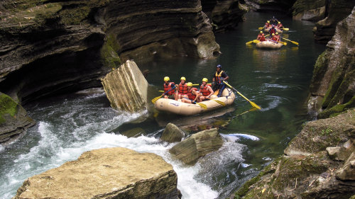 Full-Day Upper Navua River Rafting Adventure