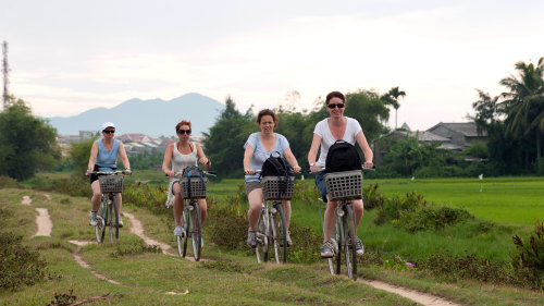 Small-Group Hoi An Boat & Bike Tour with Dinner by Urban Adventures
