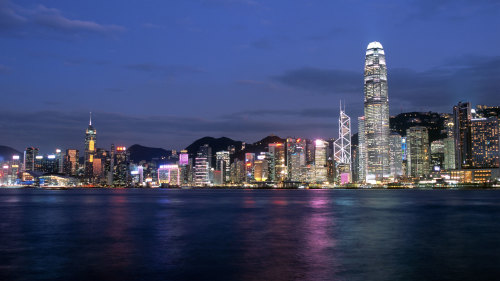 City & Victoria Harbour by Night Tour