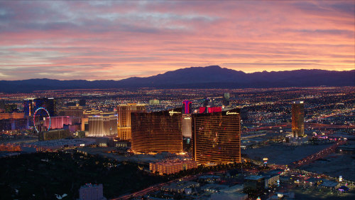 Sundance Helicopters: Twilight Tour of the Hoover Dam & the LV Strip