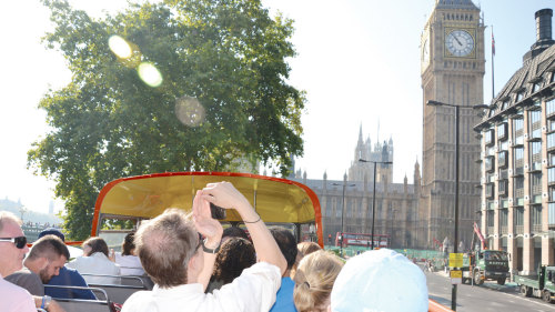 Vintage Red Bus London Tour with Stonehenge Visit & Thames River Cruise