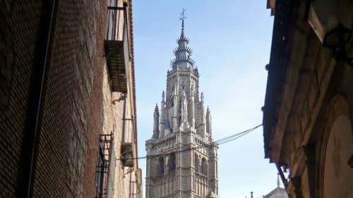 Toledo City Tour by Miki Tourist