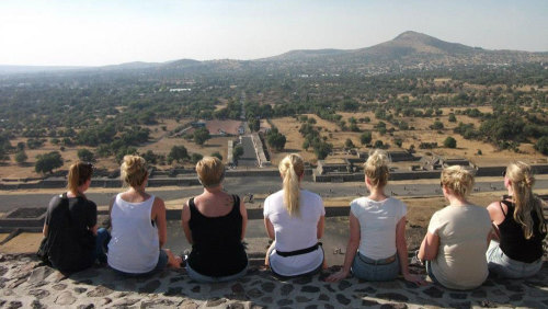 Small-Group Hidden Teotihuacan Tour with Family Dinner by Urban Adventures