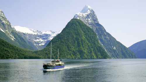 Milford Sound Winter Coach & Cruise by Fiordland Trips & Tramps