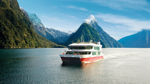 Milford Sound Scenic Cruise by Southern Discoveries