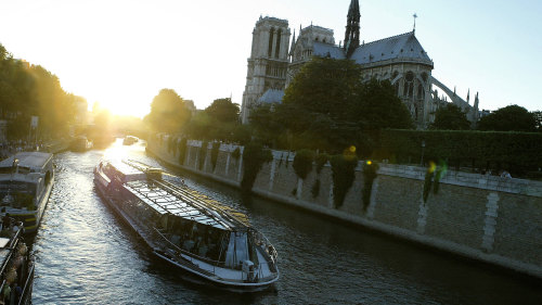 Dinner Cruise on the Seine River by Bateaux Parisiens