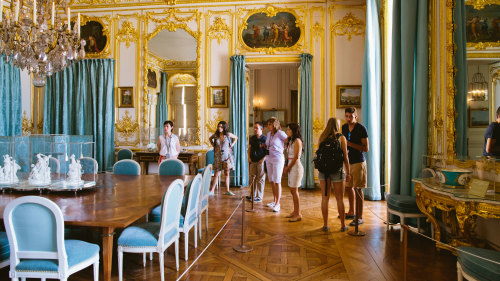 VIP Versailles Behind-the-Scenes Tour with Lunch