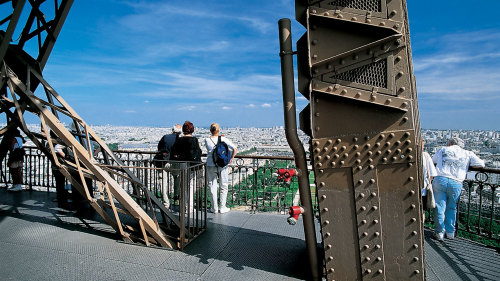 Lunch at the Eiffel Tower, City Tour & Seine River Cruise