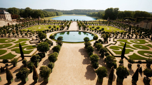 Palace of Versailles & Trianon Full-Day Tour with Lunch