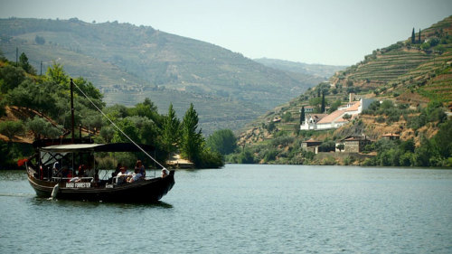 Small-Group Douro Tour by 4x4 & Rabelo Boat