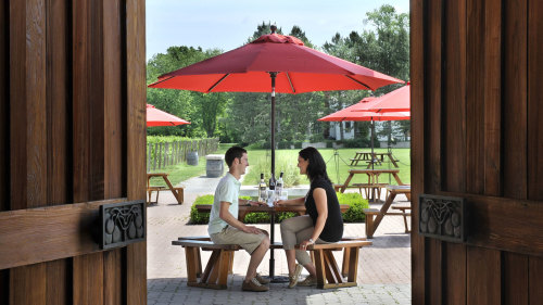 Niagara-on-the-Lake Wine Tour & Gourmet Lunch