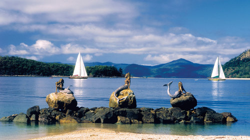 Full-Day Cruise to Whitsunday, Daydream & Hamilton Islands