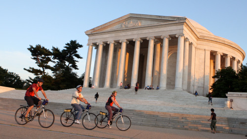Guided Bike Tour of Monuments at Night by Bike the Sites